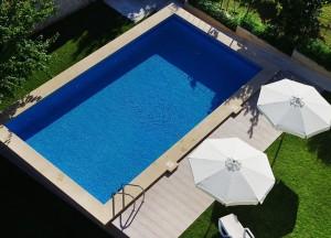Открит плувен басейн